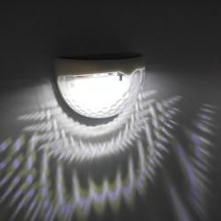 Buitenlampje op zonne-energie. Met dag-nacht sensor